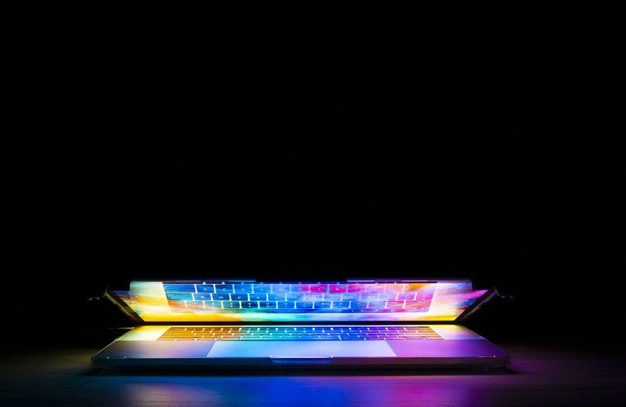 Keyboard Computer Technology Light  - JoshuaWoroniecki / Pixabay